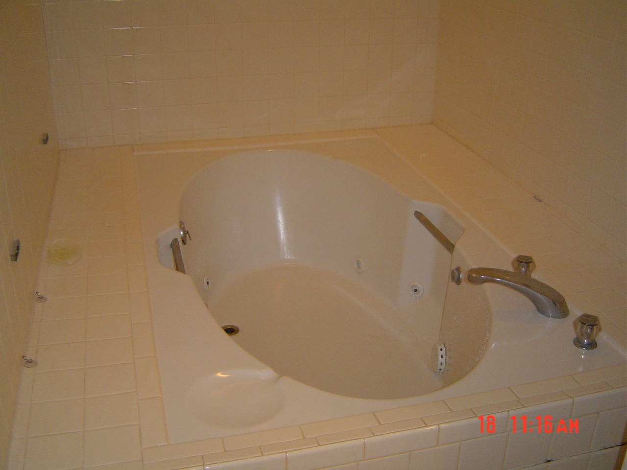 depot whirlpool units lowes faucet bathtub shower drop tub amazing tubs in idea bathtubs home garden